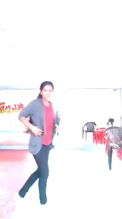 found my old video😆❤😘 #orasadha #usurathaan #roposo-dance #roposo-dancer #risingstars #dance4life #sugi #callfortamil #cbe