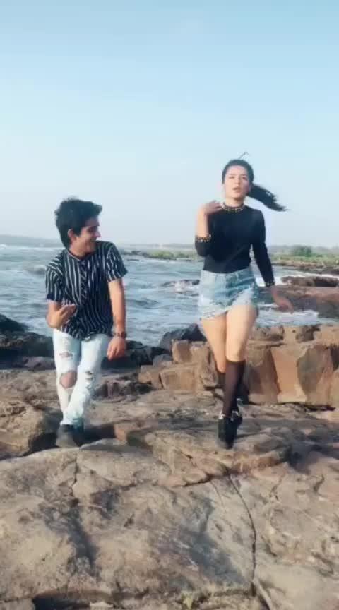 #tiktokdance #avneetkaur #tiktokgirls