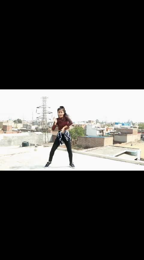 #viralvideo #ropo-video #roposo-trending #trendeing #roposo-dance #dance #like #tv #roposo-filmistan-channel #filmistaan #roposo-wow-indian