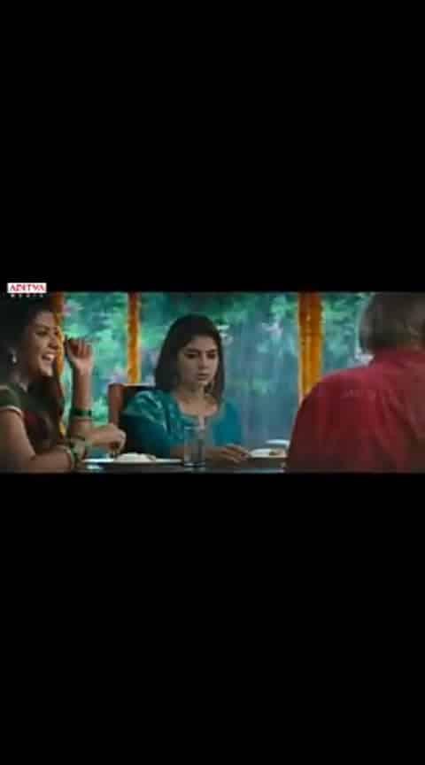 #Hello #AkhilAkkineni #KalyaniPriyadarshan #Yevevo Female Version Song #HELLO movie Video Song #Akhil Akkineni #Kalyani Priyadarshan