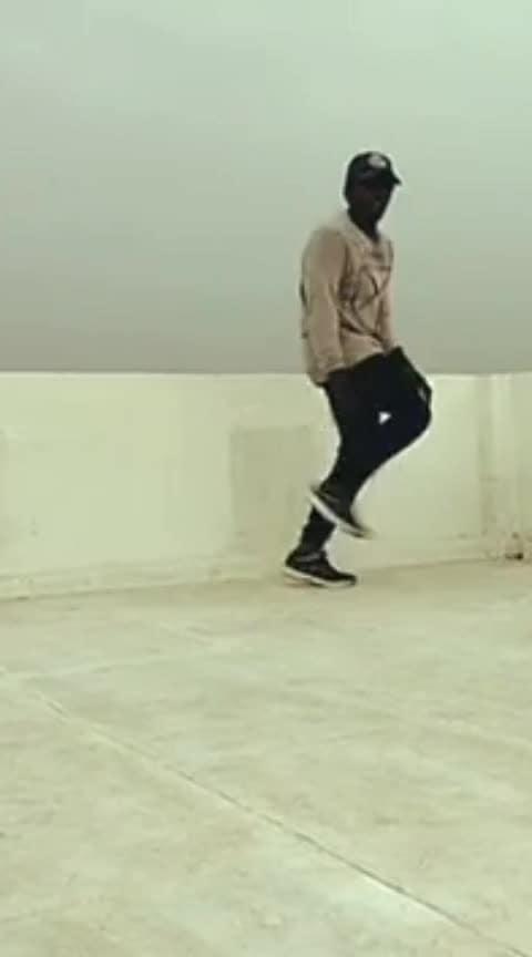 #hiphop #godsplan #urban #roposo-dance #callmytamil #1millionaudition