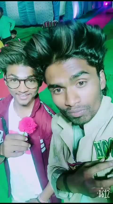 Bhai Bhai 😎😎❤️🙏 🙏😊#funny video👌👍😊☺injoy  #bhaikabirthday #pappu-bhai #robotics #itne shidhe bhi na rho ki log aapka shosadh kre... #rohitchanderiya #criclove-fan-dhoni #danceing #desi-dance #roposo-mood #boys-problem #