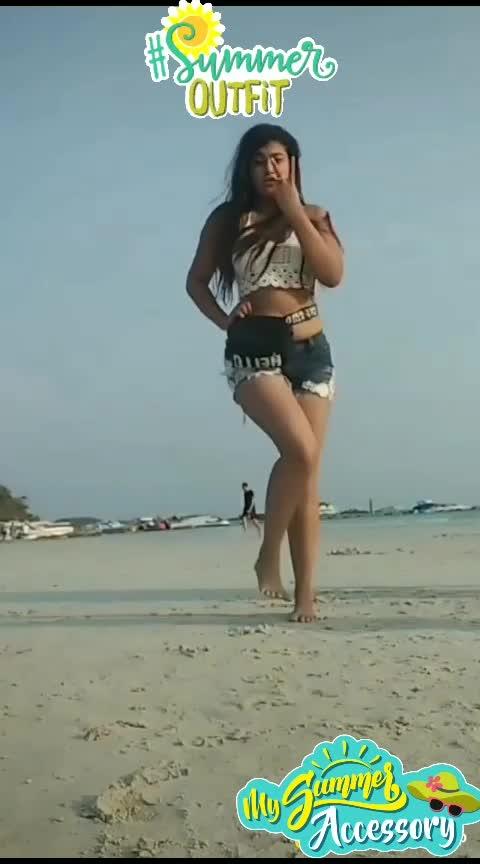 gulabi ankhe #onroposonow  #trendyhairstyles   #hot-hot-hot   #beats_channel   #beatschannels   #beatschannel   #wow-nice-view  #trendydivas   #roposo-trending   #rangolichannel  #roposo-music  #trendeing  #wow_channel  #beatschannal  #desi-patakha  #beachday