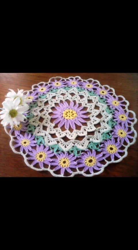 handmade crochet tablemats by FRESCIA ARRANGEMENTS