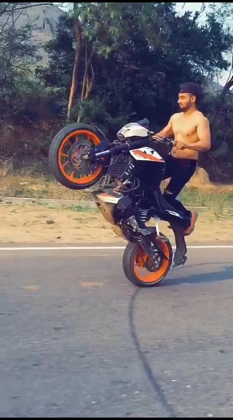 Omg Kya Gjb Ki Kalakari Hai👏👏👏👏 #omg #omgcrazy #wow-nice-view #khatarnak #superbikes #stunninglook #roposo-kalakari #kalamkari