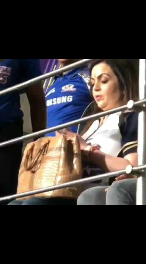 Her secret mantra 🤗😋 #nitaambani #ipl #ipl-2019 #mumbaiindians #mumbai #cricketers #dhoni #bollywood #actor #actress #fashion #roposo-style #styles #love #song #romance #video #music