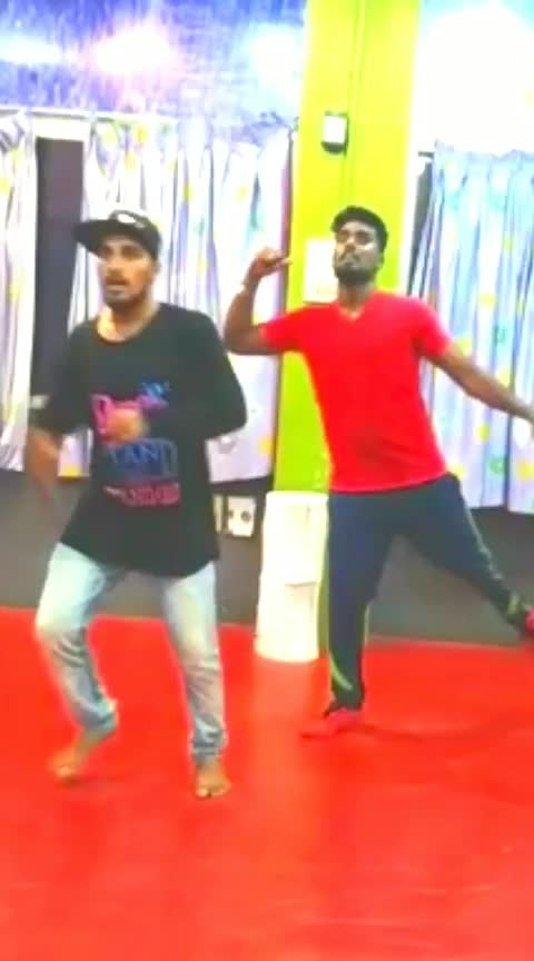 #ifulike  #supportme #kadal #roposo-rising-star-rapsong-roposo ##loveing #energetic #energybooster #songdancecover #practice_session #dancelover #bedifferent #thinkdifferent #nagsnagu....