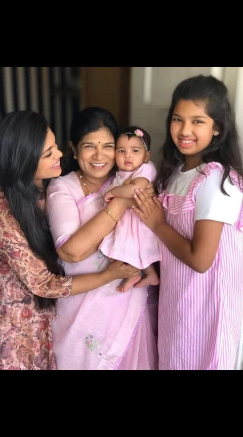 Chiranjeevi daughter Srija daughter photos