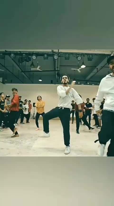 TREND 😎 #roposo-trending #roposo-foryou #roposo-dance #roposo-dancer #roposo-star #roposoness #danceindia #punjabi-gabru #ropo-punjabi-beat #ropo-punjabi #sidhumoosewala