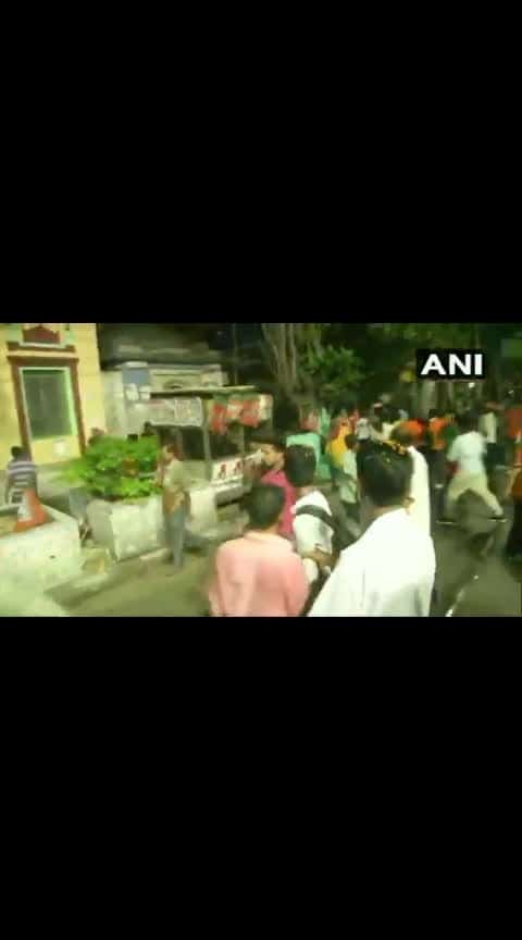 Clashes broke out in roadshow of BJP President Amit Shah in Kolkata after sticks were hurled at Shah's truck. #india-westbengal #news #newschannel #roposochannel