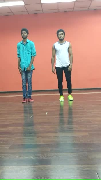 Dance bloopers😂 #roposo-dance #roposo #roposo-style #bloopers