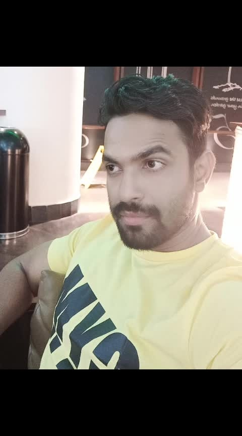 #waiting #flight #mumbai #airport #mumbaikar #actorslife #bollywoodvibes #positivevibes #goodhealth #bodybuilding #morningmotivation #sheri #waqt #indian #mumbai #💪💪🏋️🏋️💪🏋️😍