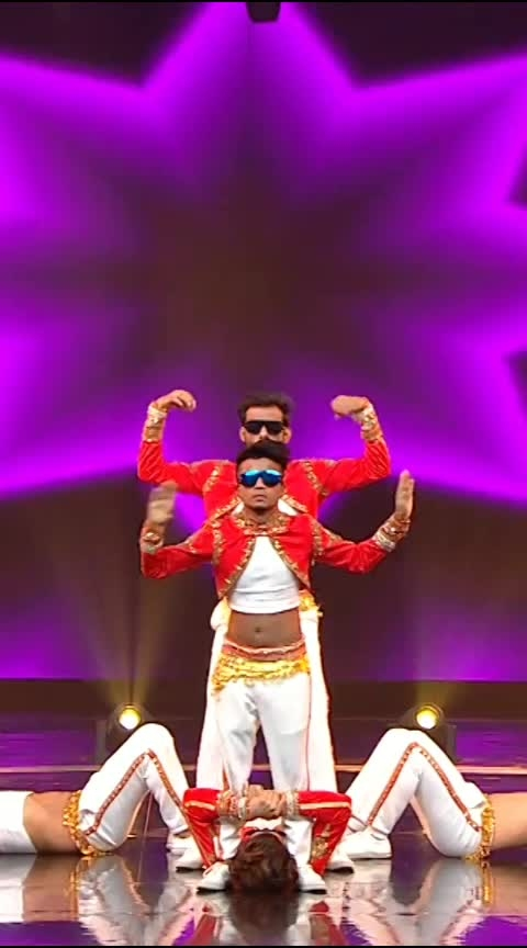 !!!!GOGGLE GANG !!!! Here is our new performance on the superhit song #DolaReDola In our unique style belly and Animation, Robotics 😎😎😎 So watch our Full HD Performance  Of Dance+ 4 Wildcard  Round.  TAG YOUR FRIENDS & KEEP SHARE THE VIDEO  Thank you team #simmba @ranveersingh sir @saraalikhan95 ma'am  Team @dharmesh0011 sir Thank you so much #Dharmeshsir for your love And thank you so much  team D-unit @paulmarshal sir @rahuldid sir @ashutosh_1505 sir ( you are great sir...helping us alot) @lipsa893 ma'am @rohitfictitious sir  Thank you so much all the judges @mohanshakti @punitjpathak @dharmesh0011 @remodsouza @raghavjuyal @sugandhamishra23  @vibhorratna sir 😚❤❤ #DancePlus4  #wildcard #remosir #Gogglegang #TheDanceWorld #mumbai #bellydance #india's #first  #boys #crew #RD #share #Tag #bellydance #BellyAnimationpoppin #unique #fusion #dytto #danceplus #Remodsozasir #danceplus4 #Sapnesirfapnenhihote #dolaredola #sharukhkhan #madhuridixit #ashwariyarai @sharukh__khan_official @madhuridixitnene @aishwaryaraibachchan_arb