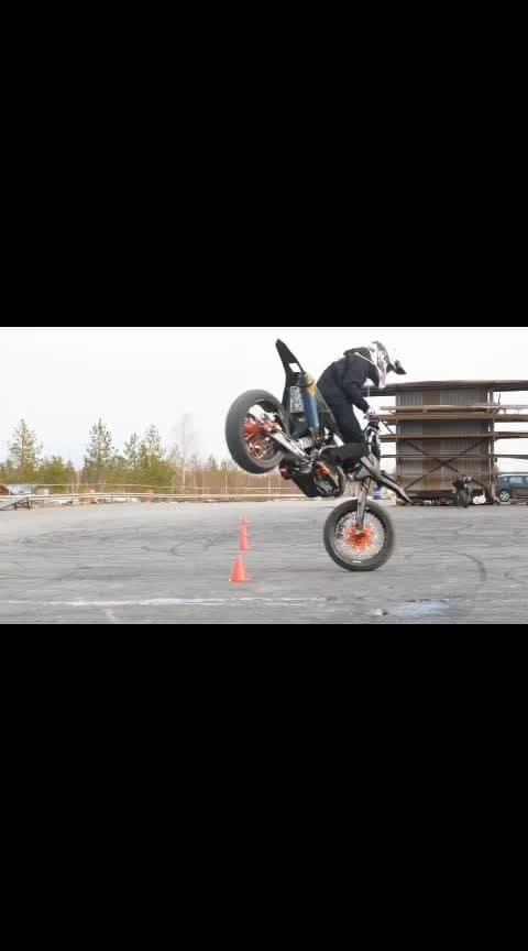 wtf bike stunts #wtfvideos #wtfisthis #roposo-wow #roposo-beats #haha-tv #gabru_channel