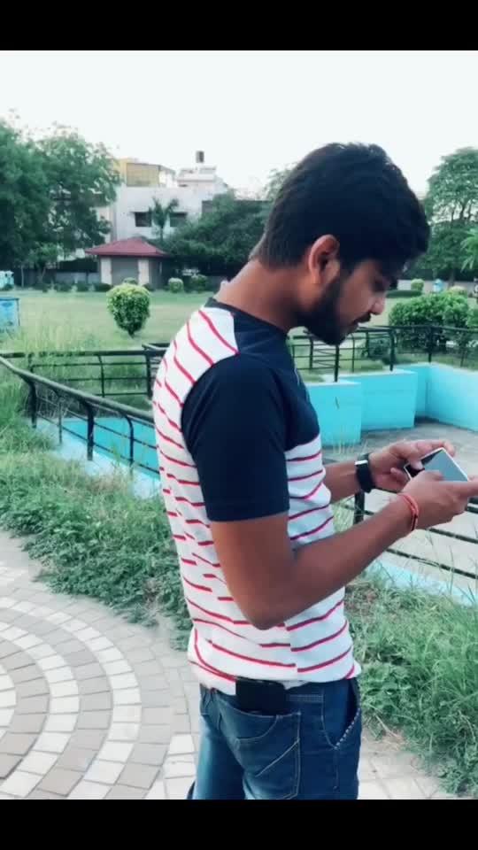 Ladki Ki Kismat Mein Phone Nahi Tha/ Phone Chori Hojaye Par PUBG Mein Disturbance Nahi Chahiye #comedy #roposo #roposocomedy #funny #haha