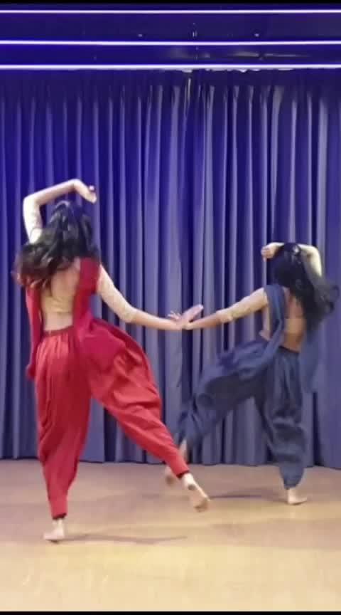#airagaira  Dhruvi Shah Dance #kalanksong #varundhawan #kritisanon