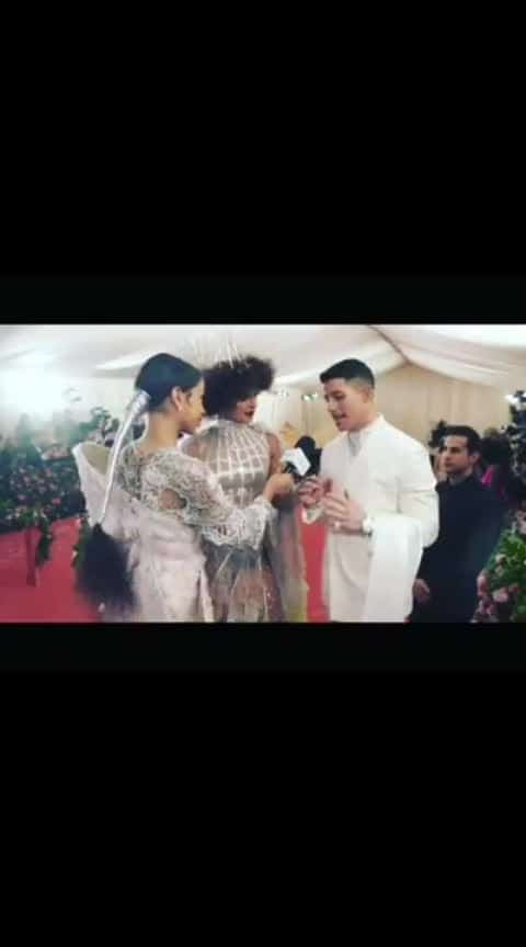 Comedy #priyankachopra #nick #couple #welding #machine #hair #style #reechh #bear #interview #jiyaji #husband #maskhara #khopariya #enjoy #naughty #dress #different #hollywood #bollywood #sangam #sakshatkaar #laugh #smile #language #north #indian