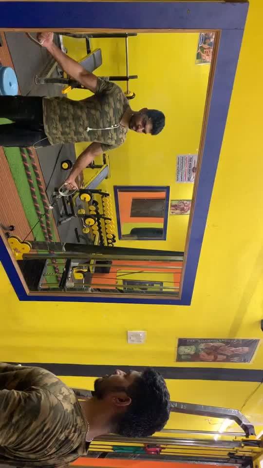 Biceps workout #biceps #bicepsworkout #fitness #fitnessfreak #fitnessaddiction #healthylife #roposo #feelgoodlookgood