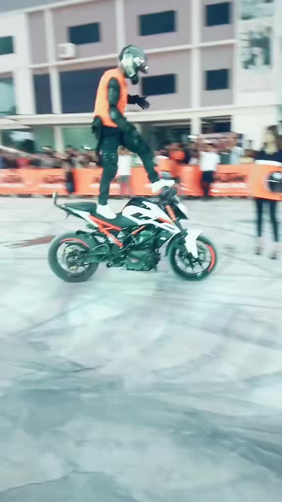#ktm-stunt