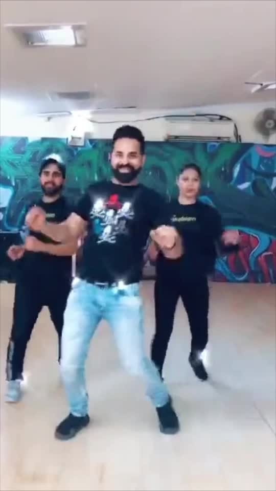 Bhangra on Gussa Tera ❤️✌🏼 #bhangra #gussatera #punjab #pujabidance #dance #studio #dancestudio