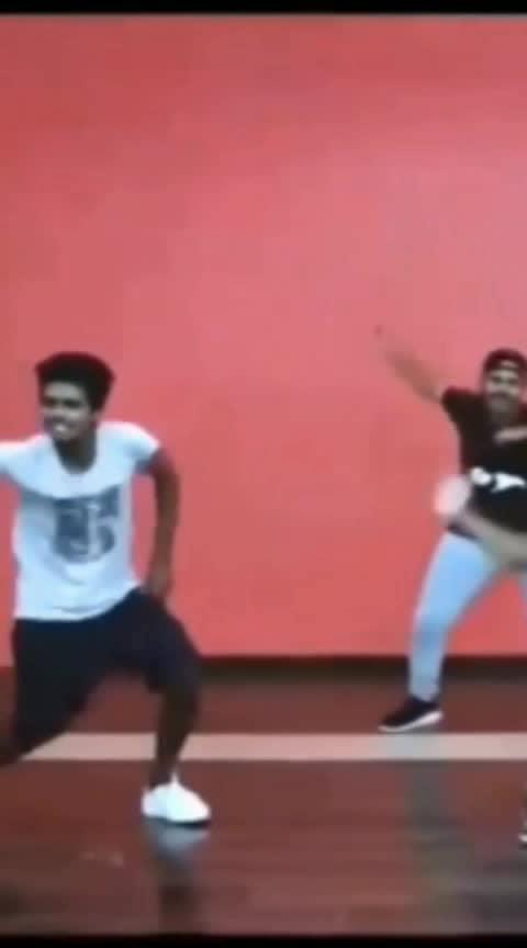 #sarkardiwali #thala-thalapathi #vijayfolksong #dance #roposo-dance #danceing #roposolove #coimbatorefashionblogger
