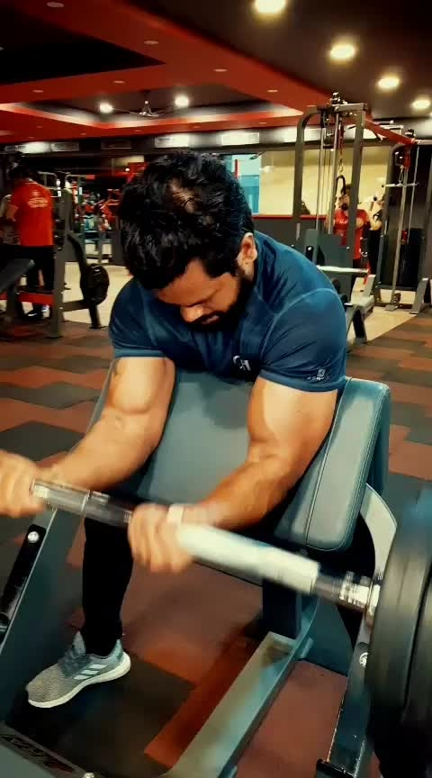 PreacherCurl is the Best Bicep workout in my opinion bcz U cant do rhat Jurk movement only biceps will get involve...