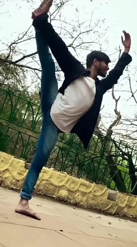 #roposostar  #roposostars  #roposodance  #roposo_beats  #roposo-dance  #roposo-dancer  #dancerslife  #ballet  #contemporary  #pointe  ##on toes