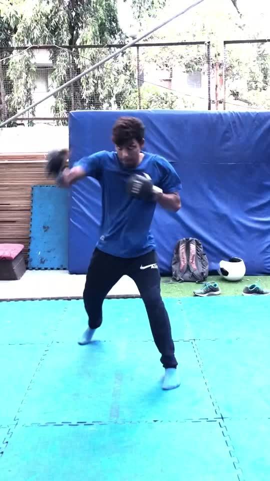 #mma #traning #kickboxing #kickflip #martialarts #corestrength #corefitness #mumbai #roposo @roposocontests @roposotalks @roposotutorial