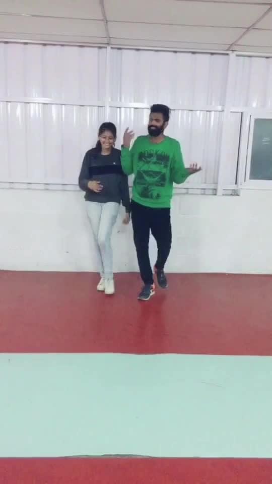 Pallaguliyin vattam parthen💃❤️🕺🏻 #remix #folksong #roposo-dance #roposo-dancer #roposo-tamil #manibhai #cbe #coimbatore
