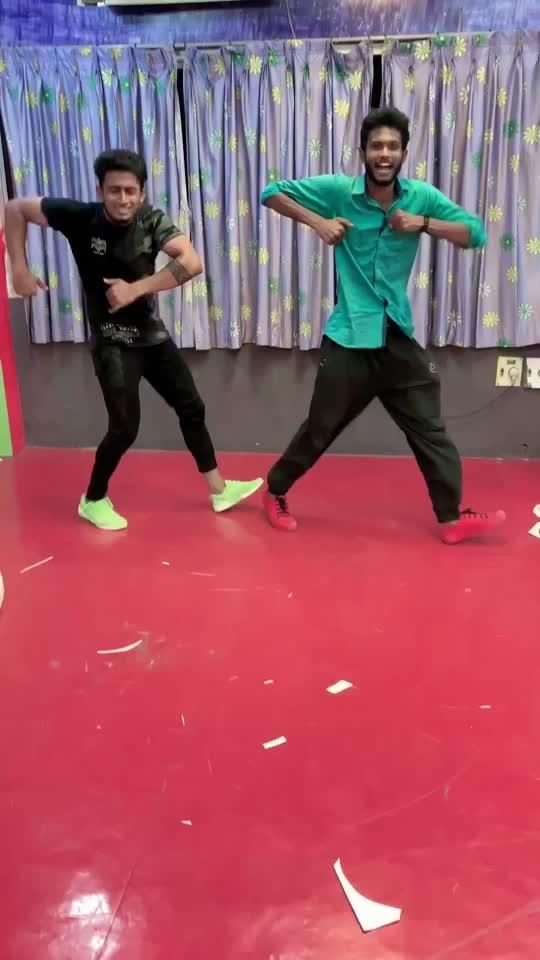 Loved te song 🥰🥰🥰#roposo-dancers #roposo-dance #roposolove #roposobeat #roposo-mood #roposofun #roposotime #roposoking #roposogopalstreamer #roposotamilko #roposofact #roposokingofking