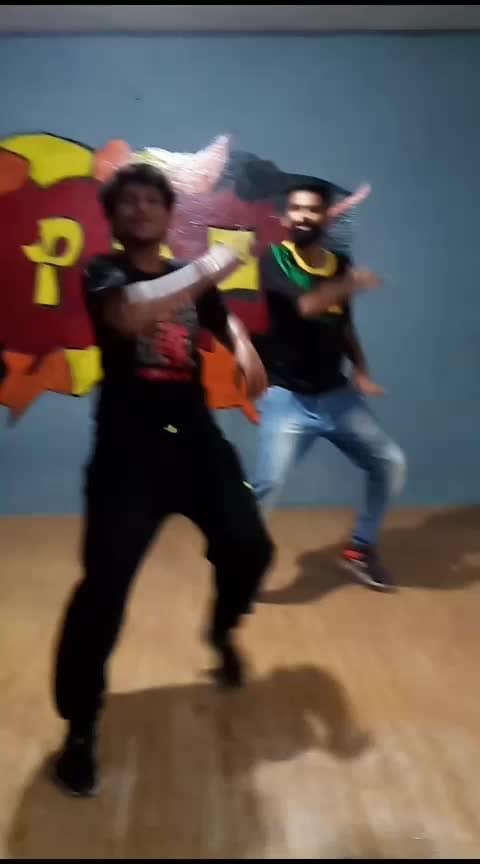 தமிழன் என்று சொல்லடா - தலை நிமிர்ந்து நில்லடா...!  #roposo-tamil #tamilanda #vijayfolksong #illayathalapathyvijay #mersal #alaporantamizhan #indian