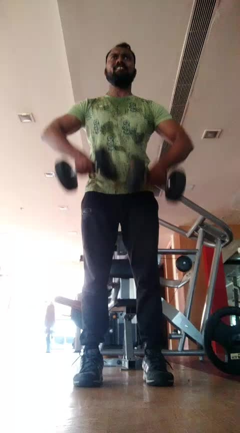 Shoulder Workout Standing uprights with Dambuls alternate and both 10.10.10 total 3 sets #jpfitnesstrainer #jp_fitness_trainer #jsfitnesszone #hyderabad#banjarahils #fitness #flexibility #boxing#cardio #jsfitnesszone #jp_fitness_trainer #newfitness #roposostar #roposo #roposofitness #roposofitnessmodel #roposorising #risingstar