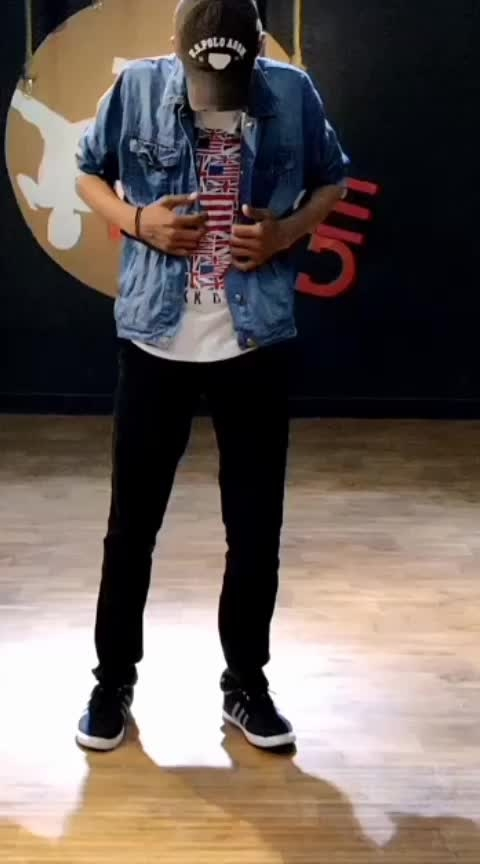 Part-2 !!!!GOGGLE GANG !!!! Here is our new performance on the superhit song #DolaReDola In our unique style belly and Animation, Robotics 😎😎😎 So watch our Full HD Performance  Of Dance+ 4 Wildcard  Round.  TAG YOUR FRIENDS & KEEP SHARE THE VIDEO  Thank you team #simmba @ranveersingh sir @saraalikhan95 ma'am  Team @dharmesh0011 sir Thank you so much #Dharmeshsir for your love And thank you so much  team D-unit @paulmarshal sir @rahuldid sir @ashutosh_1505 sir ( you are great sir...helping us alot) @lipsa893 ma'am @rohitfictitious sir  Thank you so much all the judges @mohanshakti @punitjpathak @dharmesh0011 @remodsouza @raghavjuyal @sugandhamishra23  @vibhorratna sir 😚❤❤ #DancePlus4  #wildcard #remosir #Gogglegang #TheDanceWorld #mumbai #bellydance #india's #first  #boys #crew #RD #share #Tag #bellydance #BellyAnimationpoppin #unique #fusion #dytto #danceplus #Remodsozasir #danceplus4 #Sapnesirfapnenhihote #dolaredola #sharukhkhan #madhuridixit #ashwariyarai @sharukh__khan_official @madhuridixitnene @aishwaryaraibachchan_arb