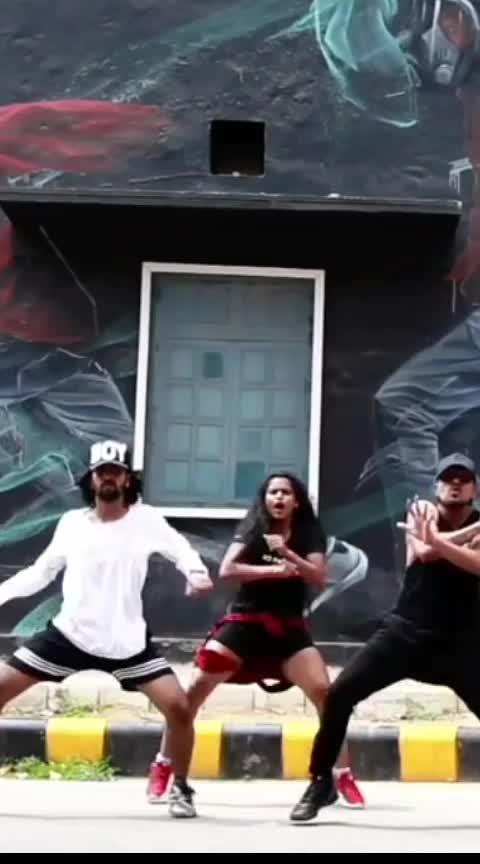 Bum Bum Tam Tam🤟💥💯 #hiphop #hiphopdance #featuredthisvideo #bumbumtamtam #hiphopdancers #dance #roposo #roposodance #roposodancer #roposo-dancers #feature #featureme #featuring #featuredvideo #feautureme #delhidancers #justdance #danceindiadance #dancefever #roposofeature #trendy @roposocontests