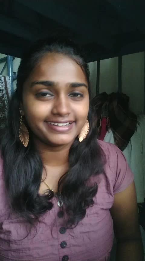 oru daivam thanda poove... #roposo-tamil #tamilsongs #tamilsonglyrics #tamilsonglyrics #tamilsongsofficial #tamilsonglover #tamilsongs #simran #madhavan #madhavanhits #madhavanlove #NextSingingStar
