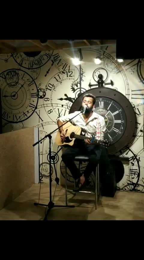 Suno suno😄😄😄 . . . Hey people🙏🙏🙏🙏hope you all r Fyn  So this is all about last night which was damn amazing at @_tym_cafe_and_restaurant  and I think you must visit there once  Here is glimpses of last acoustic night and I hope you all will love it 😍😍😍😍Czz this is my favourite song  So please like and comment and stay tuned😍😍😍😍😍
