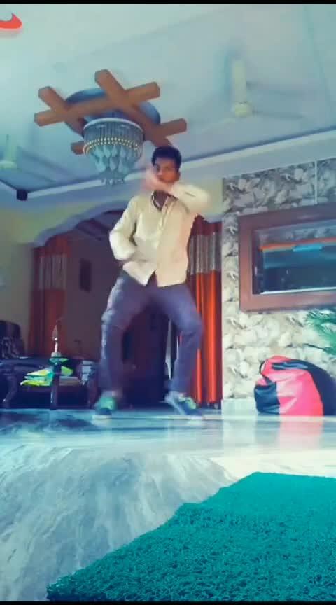 Puli la unnodni 🤣🤣 #roposo-telugu #telugu #roposo-dancer #danceindia