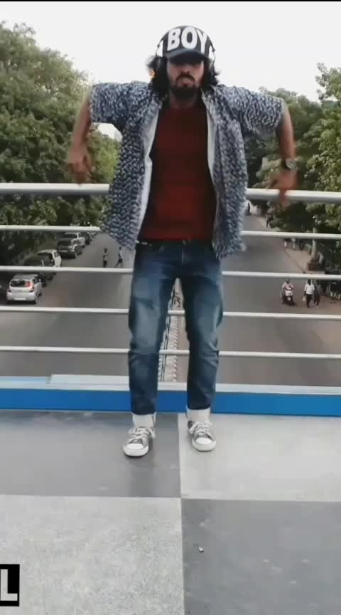 Popping Dance🤟😎 #popping #poppingdance #roposo #poppingmaster #roposo-dance #dance #feature #featuredvideo #mrsaiyan #hiphop #hiphopdance #poppingvideo #justdance #dancefever #danceindia #indiandancers #indiandancer @roposocontests @roposotalks @roposotutorial #featureme #featurethis #featuredvideo #ropo-feature