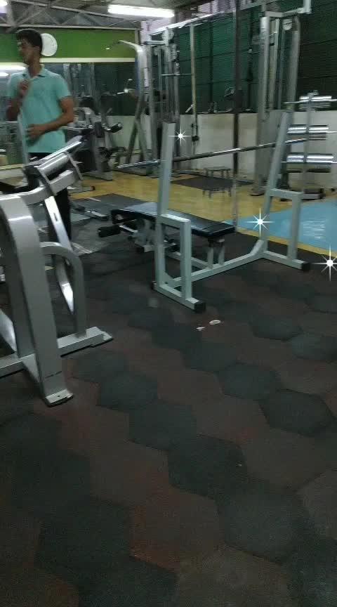 #roposo  #gym  #gymaddicts #roposoness #instapic #tik-tok