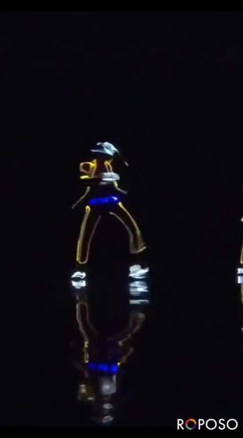 SPARKLING LIGHT DANCE
