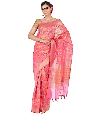 Peach Oraganza saree. Visit OnlyPaithani handloom saree shop to buy oraganza sarees in reasonable cost. #oraganzasaree #handloom #handloomsaree #silksaree #traditionalsaree