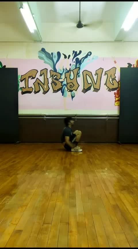 Multiple Kick Ups aka Rubber Band Stunt. Song - #daddy by #psy   #breakdance #breakdancing #break_dancer #housedance #housedancer #dance #roposo-dance #roposo-video #videooftheday #videooftheweek #best-dance