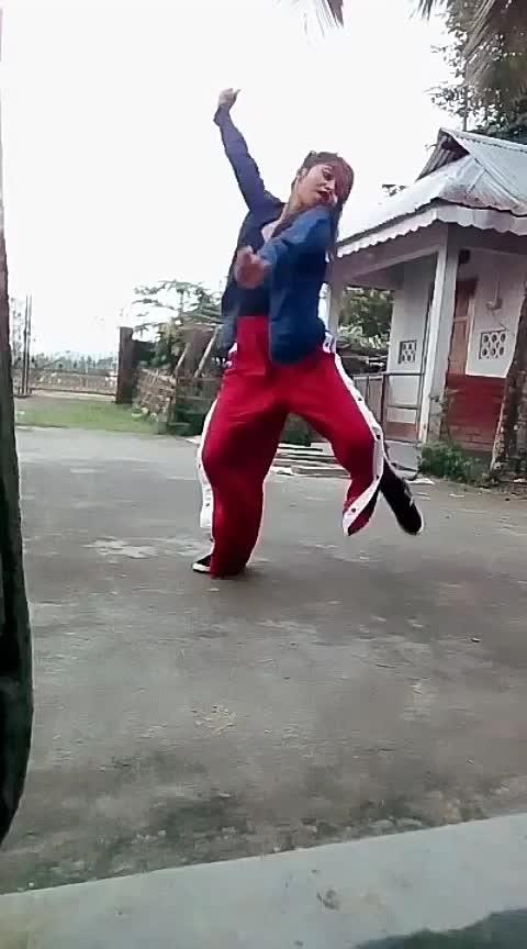 #yourfeedchannel #yourfeed #foryou #hiphopdance #assamese #wow #beats #danceindiadance #auditions #gogirl #badgirl #bollywooddance #hindisongs #hiphopdance #worlddanceday #hot #swag #followme Roposo Roposo @roposocontests Krishna Manisha @roposotalks #dolidance #dolidairies