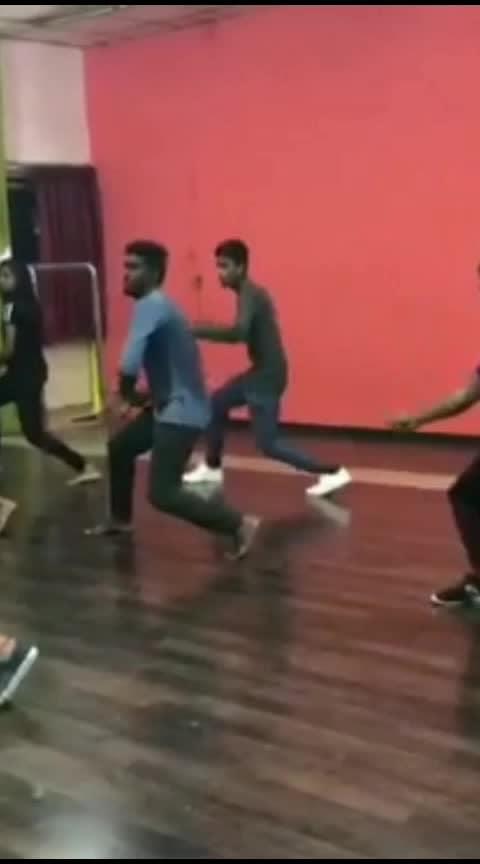 adi ethuku unna paathyynu #roposo #roposo-morning #roposo-haha #roposolovesong #roposo-tamil #trendingdance #danceing #desi-dance #roposo-dance #dancelovers #coimbatorefashionblogger #coimbatorediaries