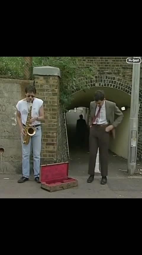 Убийца плохого настроения😹🔥😂😅 Mr. Bean всегда действует 😏  Короче ты понел кого отметить )😅 ____________________________ #мистербин #камедия #танец #движение #фильм #кино #рингтон #смех #угар #умора #приколы #танцы #музыка #music #muzassamjafar