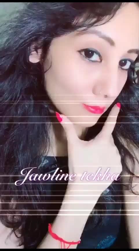 jawline