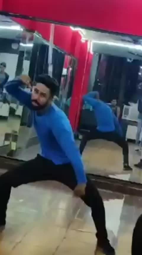 #roposo-dance #punjabi #ropo-punjab #woofer #danceing #dancelife #dancelove