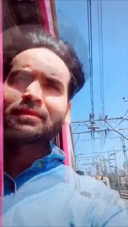 Bepannaah Mohabbat 💕 #bepannaah #music #mumbailocal #localtrain #featureme  #featurethisvideo  #bollywood #actor #roposolove #roposoindia #roposo #loveroposo #mahii #mahendrapandey #mahiilove🐒