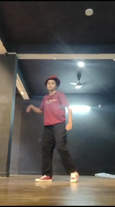 #poppingdance  #freestyledance #basic #focused 💓