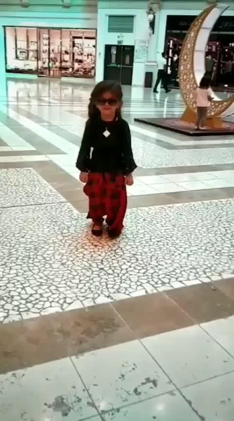 Friends Aarohi Ni Moj Kai Na Ghate..... Like And Share This Video #qatar #doha #dohaqatar #villagiomall #aarohi #papakipari #princess #cutiepie #expressionqueen #walkinstyle #gujju #gujjukigang #gujjukisena #rajkot #rajkotian #rangilurajkot